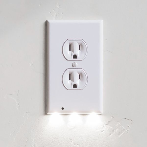 $5.99 (reg $20) Outlet Wall Pl...